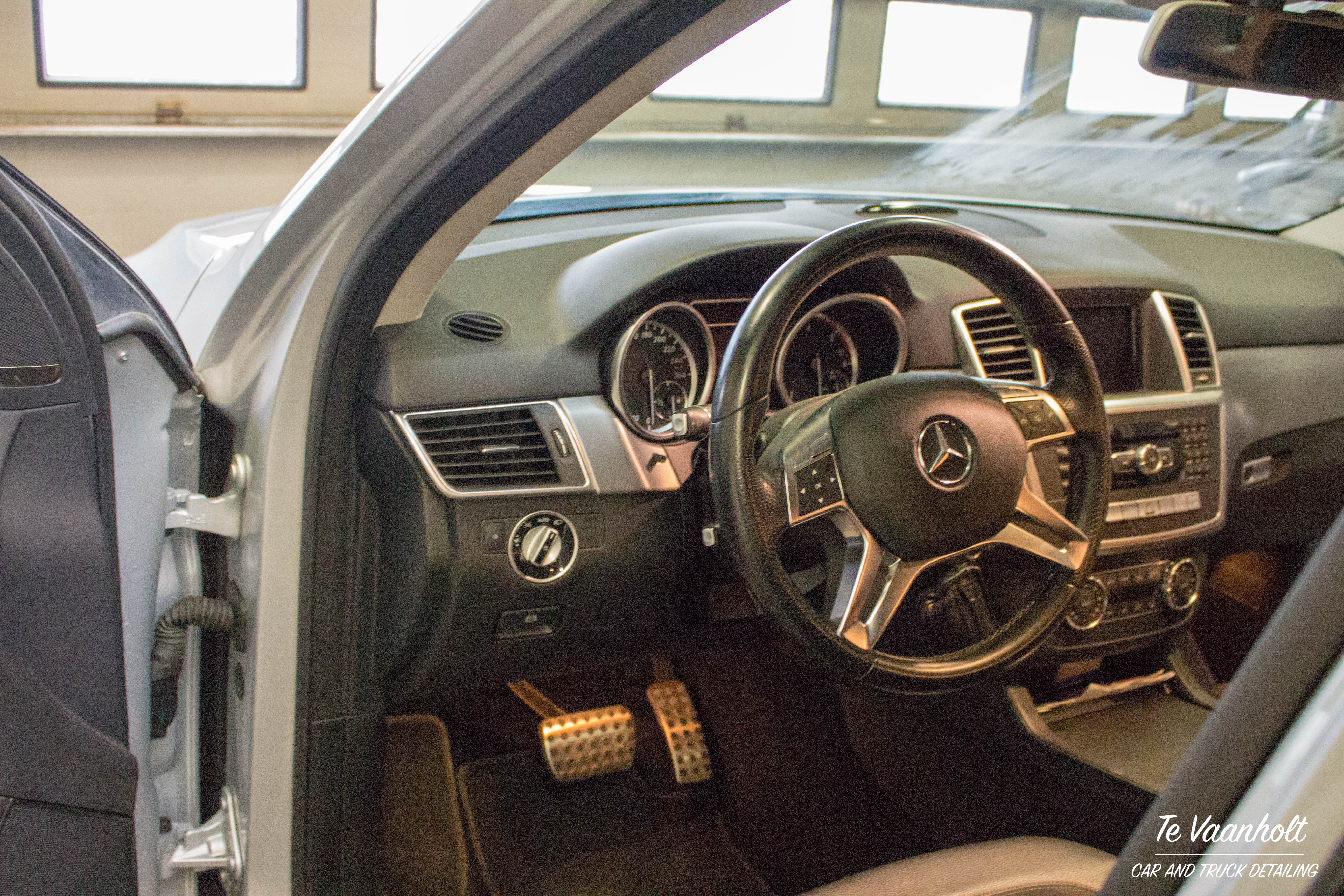 TeVaanholtCarCleaning.nl-Mercedes-Benz-ML-350-CDI-15